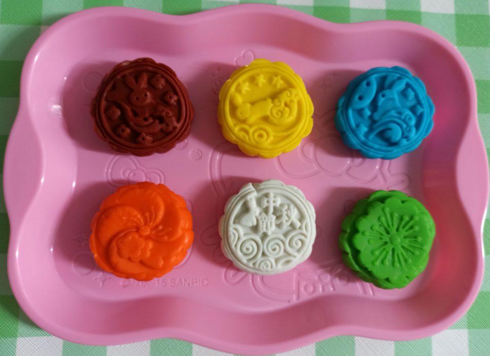 playdoh mooncakes using ginpo rice playdough